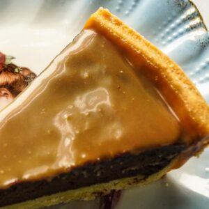 Crostata di cioccolato e caramello salato